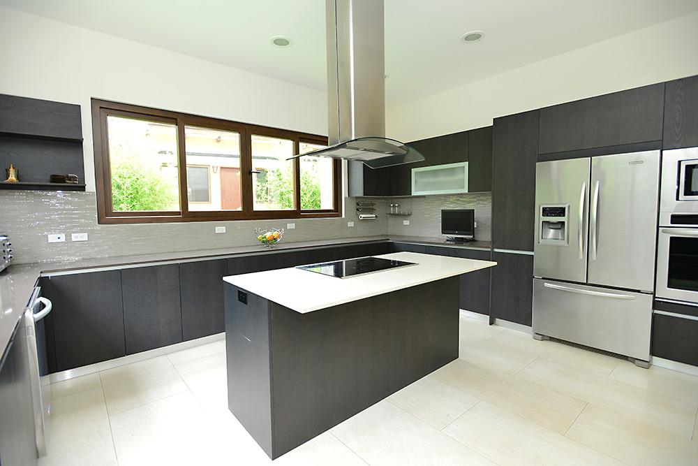 Muebles para cocina y cocinas de lujo for Muebles tipo isla para cocina